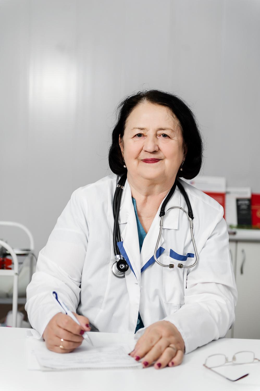 Захарова Любовь Николаевна<h5>Врач терапевт-кардиолог, высшей квалификационной категории.